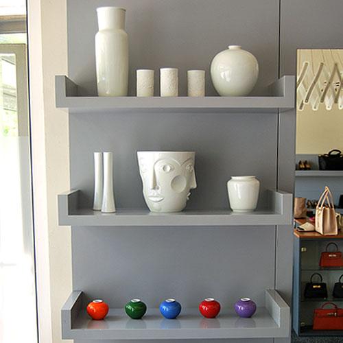 Porzellan und Einrichtungselemente